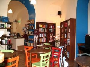 "Libreria ""Tra le righe"" a Roma"