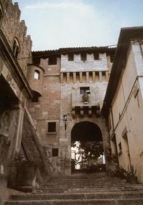 Serravalle: l'ingresso al Castello