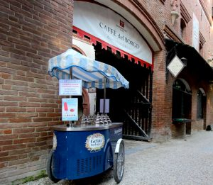 Torino: Caffè del borgo medievale