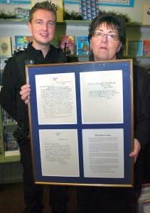 Richard Miller e Stella O'Neil della biblioteca di Deddington