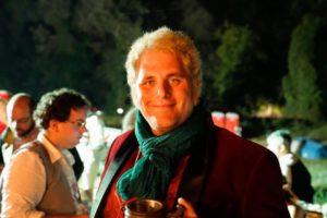 Nicolas Gentile nei panni di Bilbo Baggins