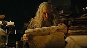 Gandalf legge manoscritti