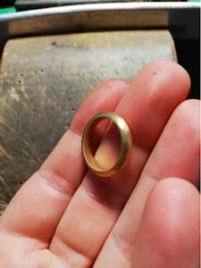 Anello d'oro. Foto dalla mia bottega